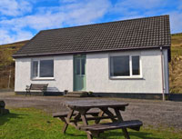 Loch View Cottage in Carbost on Skye. Self Catering.